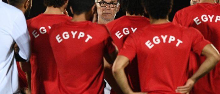 هيكتور كوبر يفاضل بين عرضين بعد الرحيل عن منتخب مصر