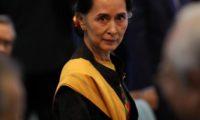 """صانداي تايمز: """"الأم سو"""" ضحّت بأطفال الروهينجا لإرضاء جيش والدها"""