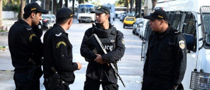 طعن شرطيين تونسيين .. ومنفذ الإعتداء: قتلهم «جهاد»