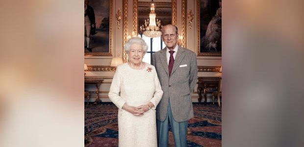 بالصور..الملكة اليزابيث تحتفل بذكرى زواجها الـ70 من الأمير فيليب