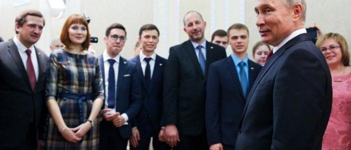 بوتين يعلن الترشح لفترة رئاسة رابعة مارس المقبل..واستطلاع رأي يكشف رأي الشعب