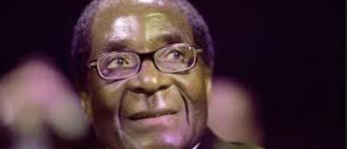 """خمسة أسرار وراء صعود وانهيار رئيس زيمبابوي """"روبرت موجابي"""""""