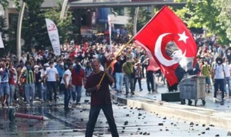 13 قتيلا في اشتباكات بين الجيش التركي والعمال الكردستاني
