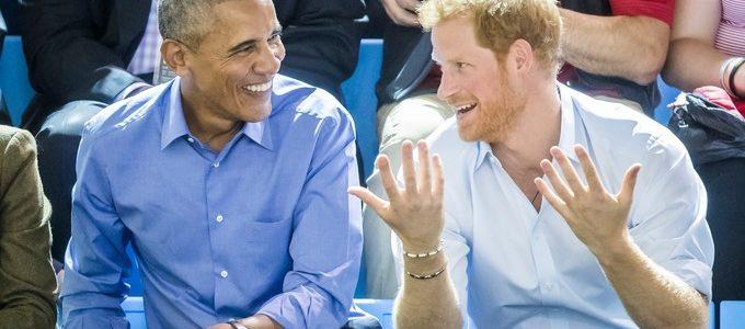 بالفيديو.. أوباما يحذر الأمير هاري من خطر الفيسبوك ووسائل التواصل الاجتماعي