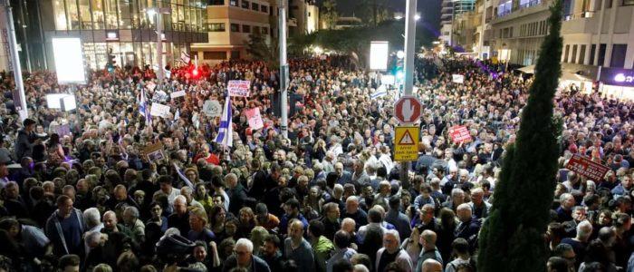 الربيع العبري بدأ في إسرائيل.احتجاجات أسبوعية ضد فساد نتنياهو وحكومته