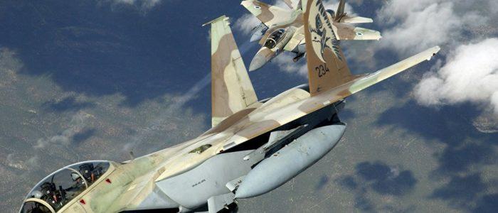 إسرائيل تحاصر غزة وتغلق جميع المعابر معها وتقصف مواقع لحماس