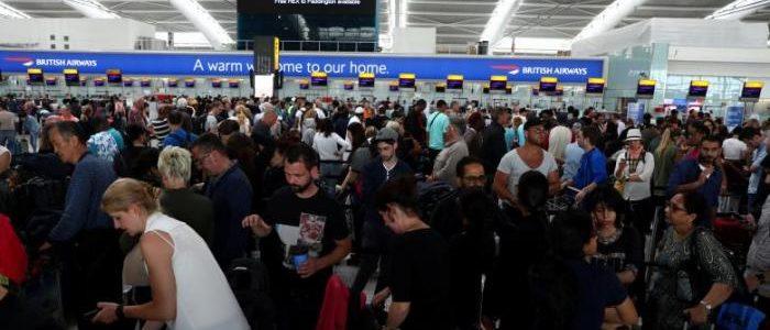 انقطاع الكهرباء في أكبر مطار أمريكي والأكثر ازدحاما في العالم..الغاء ألف رحلة والظلام يثير الذعر