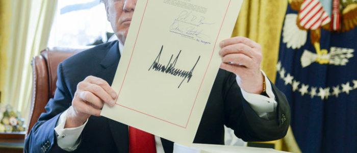 الأمريكيين لا يثقون في قانون ترامب لتخفيض الضرائب