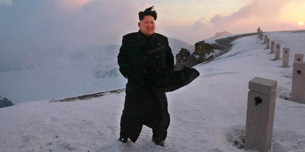 قدرات زعيم كوريا الشمالية الخارقة..يتحكم بالطبيعة واكتشف حصان خرافي ويشفي من الإيدز والسرطان