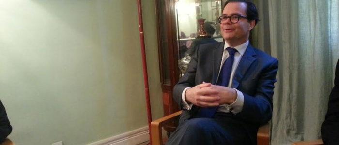 سفير فرنسا بمصر: إقامة دولة فلسطينية في سيناء جنون.. باريس لن تنقل سفارتها إلى القدس