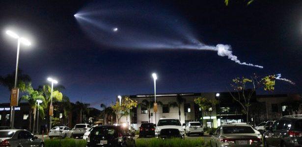 بالفيديو: جسم غريب في سماء أمريكا يثير الذعر من هجوم كائنات فضائية
