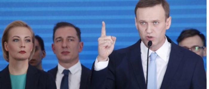 زعيم المعارضة الروسية يعلن ترشحه في الانتخابات الرئاسية ضد بوتين