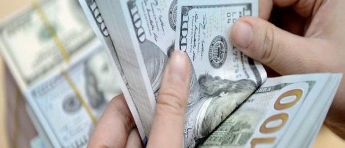 ارتفاع سعر الدولار في مصر بالبنوك والسوق السوداء تصل إلى 18 جنيها