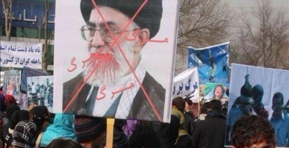 مظاهرات إيران: الثوار يعلنون مليونية إسقاط النظام اليوم..مقتل عناصر مخابرات واشتباكات خارج قاعدة عسكرية..أمريكا قد تفرض عقوبات