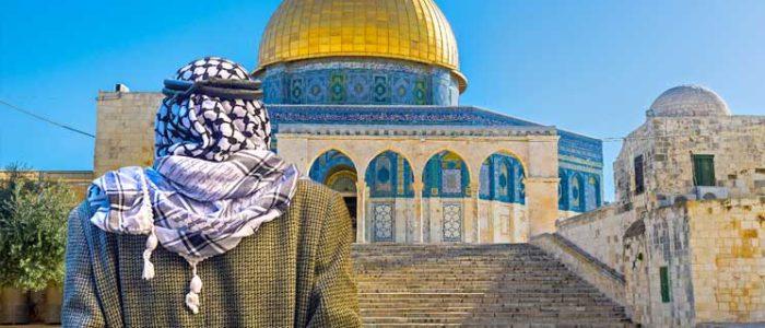 وزير الزراعة الإسرائيلي يقتحم المسجد الأقصى برفقة الشرطة ومتطرفين