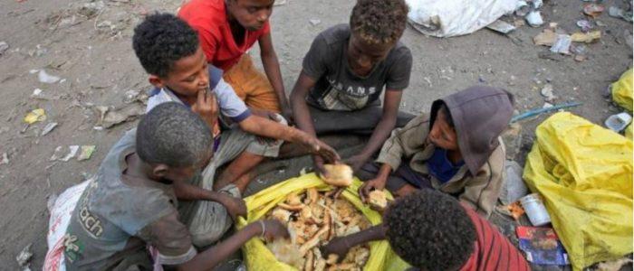 وكالات الإغاثة تحذر من تفشي المجاعة في اليمن العام الحالي..17 مليونا يعانون نقص الطعام