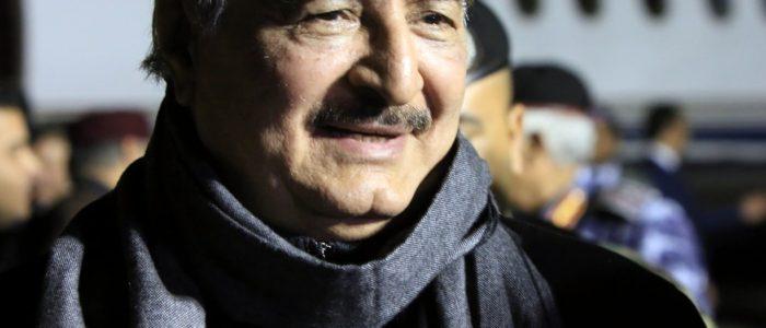 حفتر يشكر الملك سلمان بن عبد العزيز على فصل التوأم السيامي الليبي