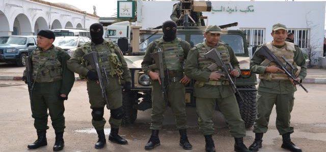 الجيش التونسي ينتشر لتأمين البلاد بعد سلب ونهب..الحكومة تحذر من سيناريو 2010 والإخوان يتوعدون المتظاهرين