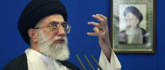 إيران: خامنئي يتوعد المحتجين وسقوط 40 قتيلا واتهام السعودية..الإعدام ينتظر المعتقلين..الجيش يتعهد بإنهاء المظاهرات خلال أيام