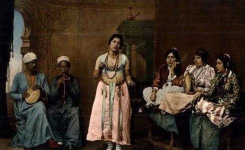 «المرأة» خيال الغرب وواقع الشرق.. أيّ علاقة بين الحريمين في لوحات المستشرقين»