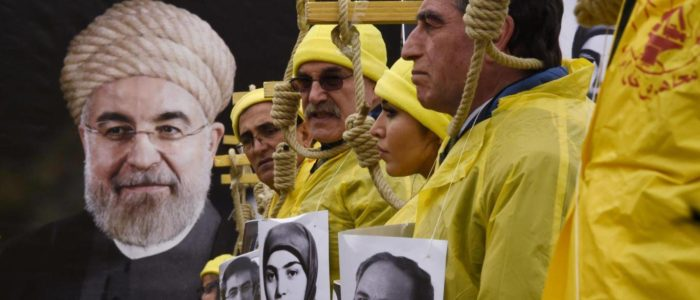 إيران تنتهك حقوق الأطفال وتعدم ثلاثة أطفال قصر