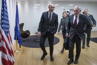 وزراء دفاع الناتو يقروا علي تشكيل تحالفين جديدين