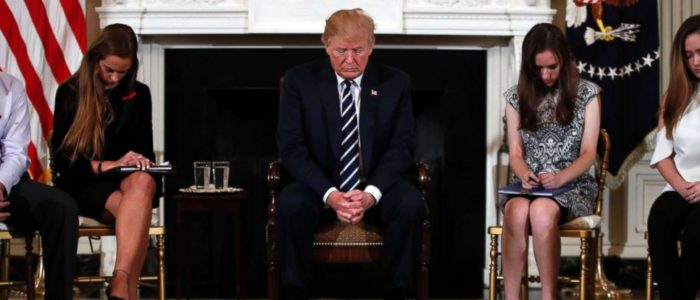 ترامب يقترح تسليح معلمي المدارس