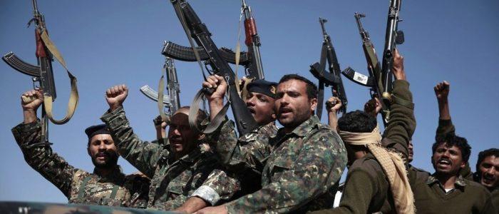 """""""أنصار الله"""" يستعيدون مواقع شرق صنعاء في عملية عسكرية"""