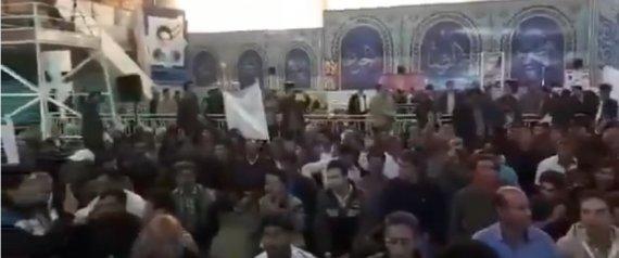 ما سر غضب المزارعين في إيران؟