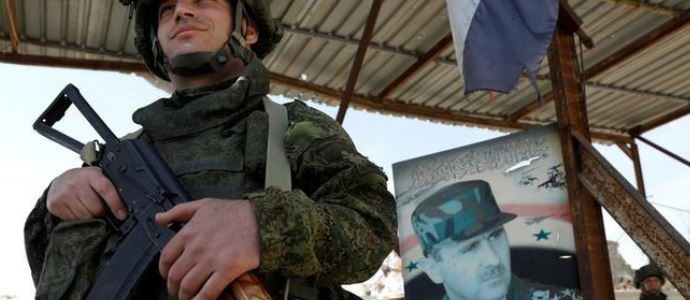 لوموند: جيش الأسد مازال في مركز القرار بعد سنوات من الحرب