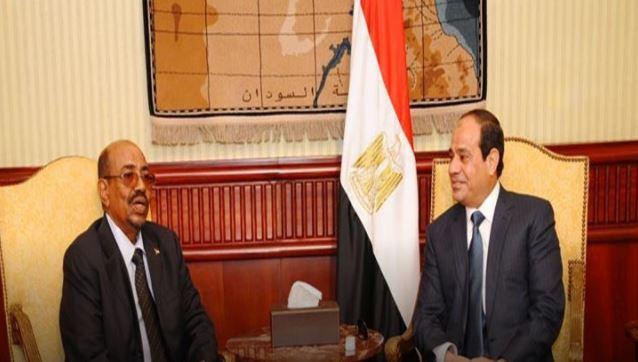 الرئيسان عبدالفتاح السيسي وعمر البشير