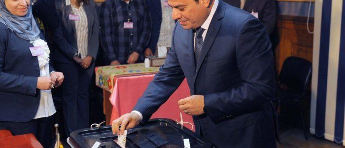 الفريق الأمريكي لمتابعة الإنتخابات المصرية: هادئة وسلسة وبإشراف مميز