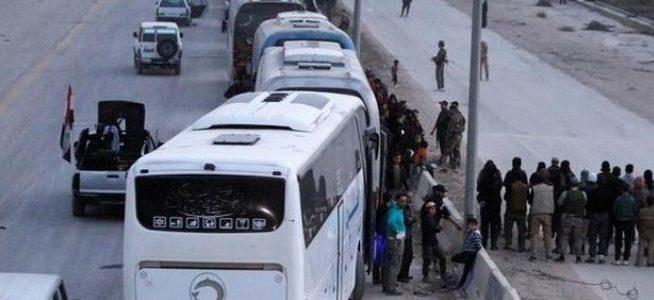 مقاتلو المعارضة السورية يبدأون في الانسحاب من عدة مدن بالغوطة الشرقية