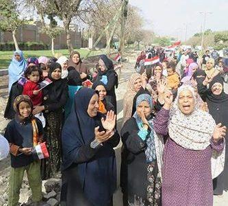 مسيرات انتخابية فى حلوان والتبين والمئات يصطفون أمام اللجان