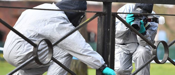 """السفير الروسي في بريطانيا يؤيد فكرة تفتيش مختبر """"بورت داون"""""""