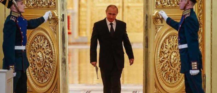 """بوتين يبحث مع مجلس الأمن الروسي سياسة بريطانيا """"الاستفزازية"""""""