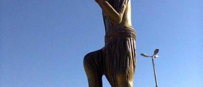 """تركيا تدمّر """"رمز الثقافة الكردية"""" بعفرين"""