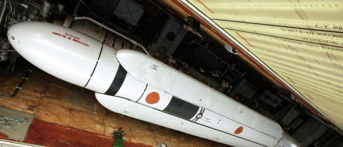 """تعرف علي الصاروخ الروسي """"أس13"""" يخترق الأرض"""