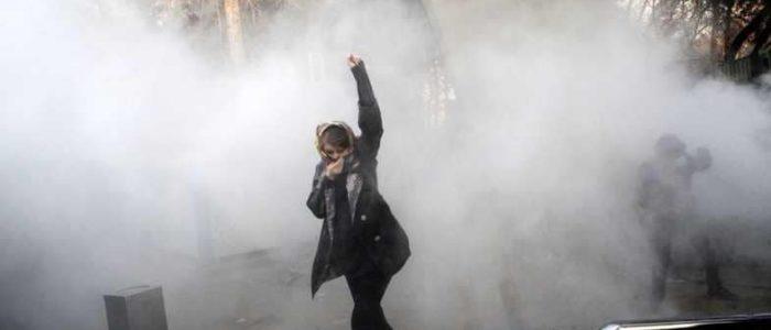 العالم يترقب عاصفة تهدد النظام الإيراني