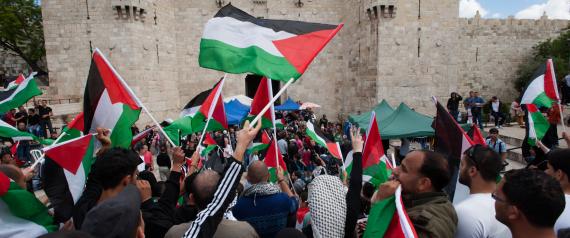 إضراب شامل في الأراضي الفلسطينية بعد سقوط شهداء في مظاهرات يوم الأرض