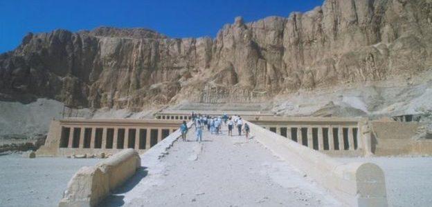 العثور على جدارية لملكة مصرية قديمة بعد سنوات من التخزين