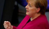 أنجيلا ميركل: نتطلع لأن يكون الحد من انبعاثات الكربون هدفا طموحا للاتحاد الأوروبى