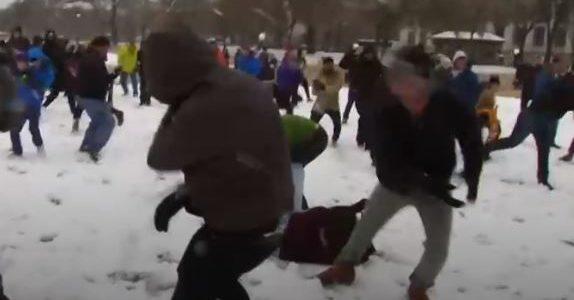 معركة بكرات الثلج في واشنطن