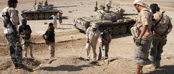 الإمارات: التحالف العربي يسيطر على مساحات كبيرة من مطار الحديدة