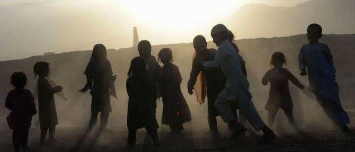 انتحاري يفجر نفسه وسط أطفال بأفغانستان
