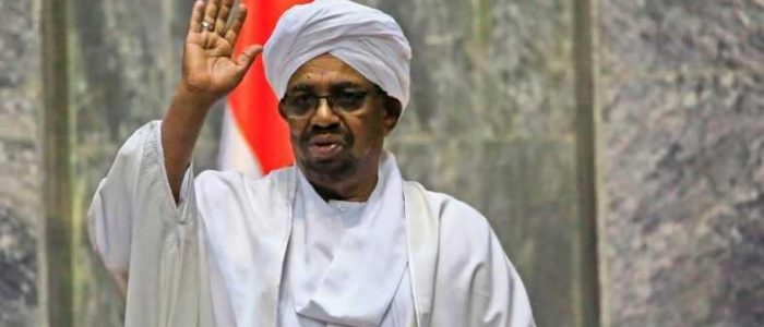 السودان يحسم موقفه من الاستمرار في الحملة العسكرية باليمن بعد اجتماع البشير مع مساعد وزير الدفاع السعودي