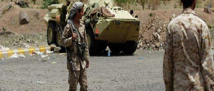 قوات الحكومة اليمنية تدخل مطار الحديدة واستعداد لحرب شوارع في المدينة