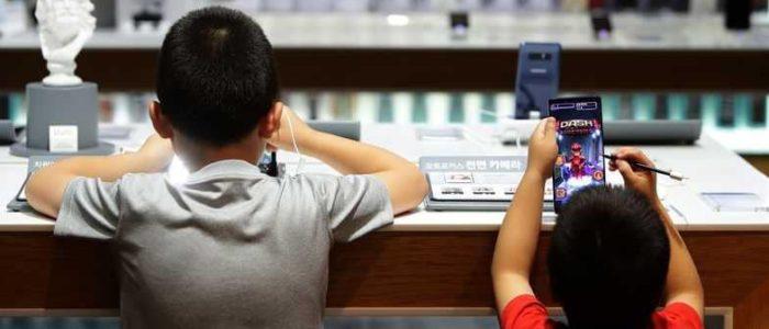 آلاف الجواسيس تراقب الأطفال علي جوجل بلاي