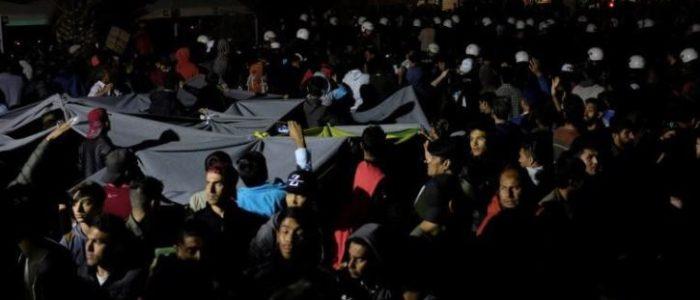 اشتباكات بين طالبي لجوء وسكان على جزيرة ليسبوس اليونانية