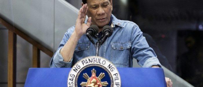 """الرئيس الفيليبيني يعلن حظرا """"دائما"""" على إرسال العمالة إلى الكويت"""